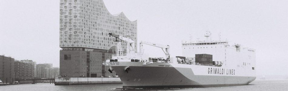 Hamburg Elphil, Elbe, Kodak Tmax 100, Leica M Summilux 1.4 50 asph